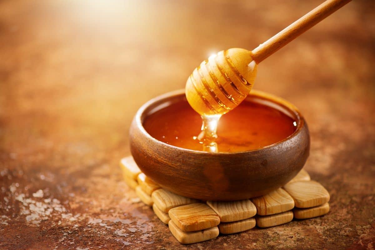 Honig ist wirkungsvoller als andere Medikamente: Das sind die besten Hausmittel