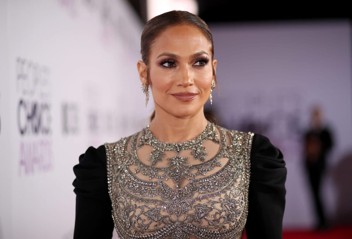 """J.Lo Beauty"": Jennifer Lopez launcht eigene Kosmetikmarke"