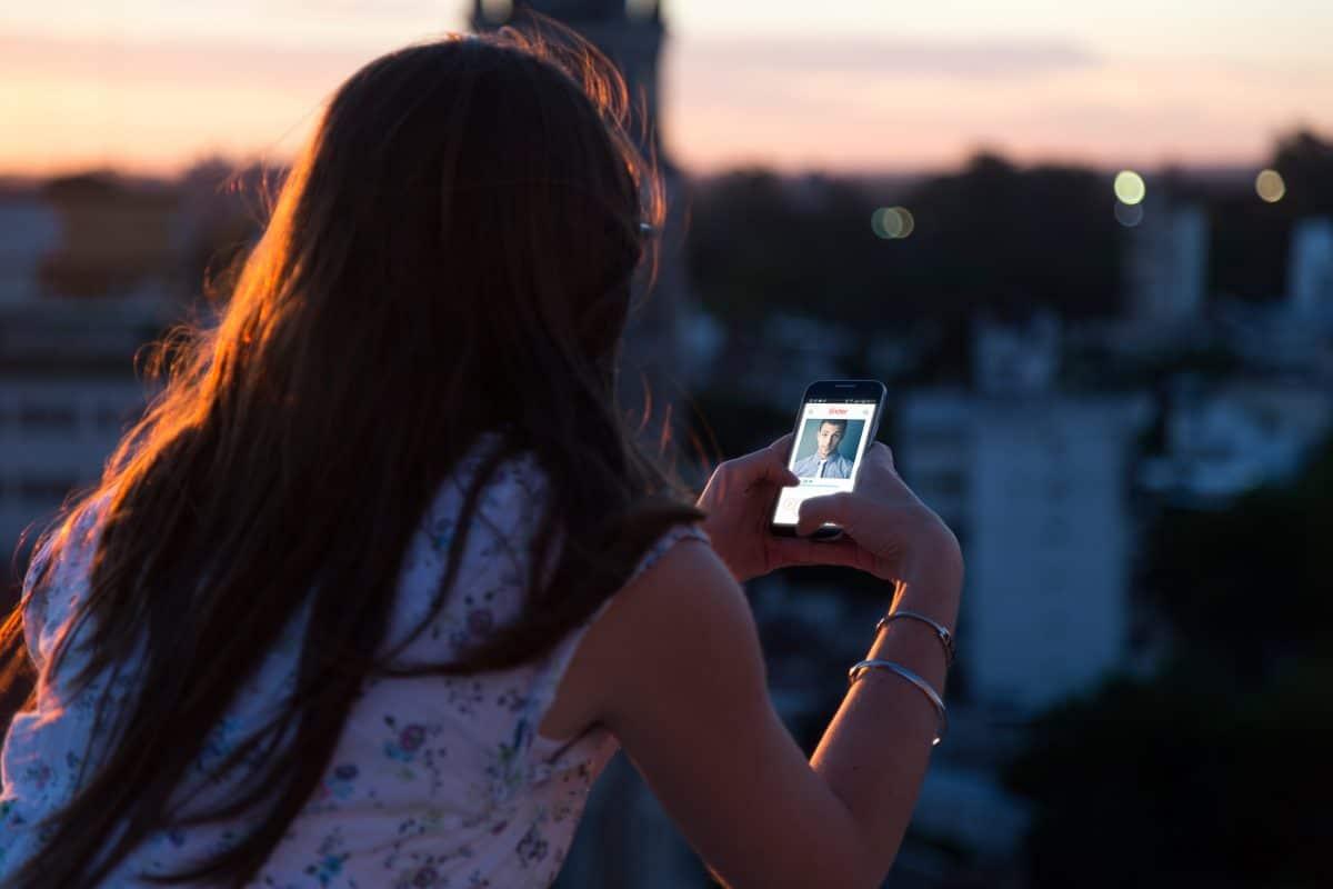 4 Anzeichen, dass dich dein Date ghosten wird
