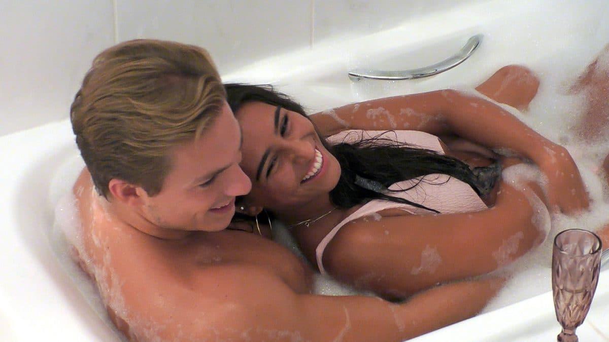 """Erster Sex bei """"Love Island"""" zwischen Aurelia und Henrik"""