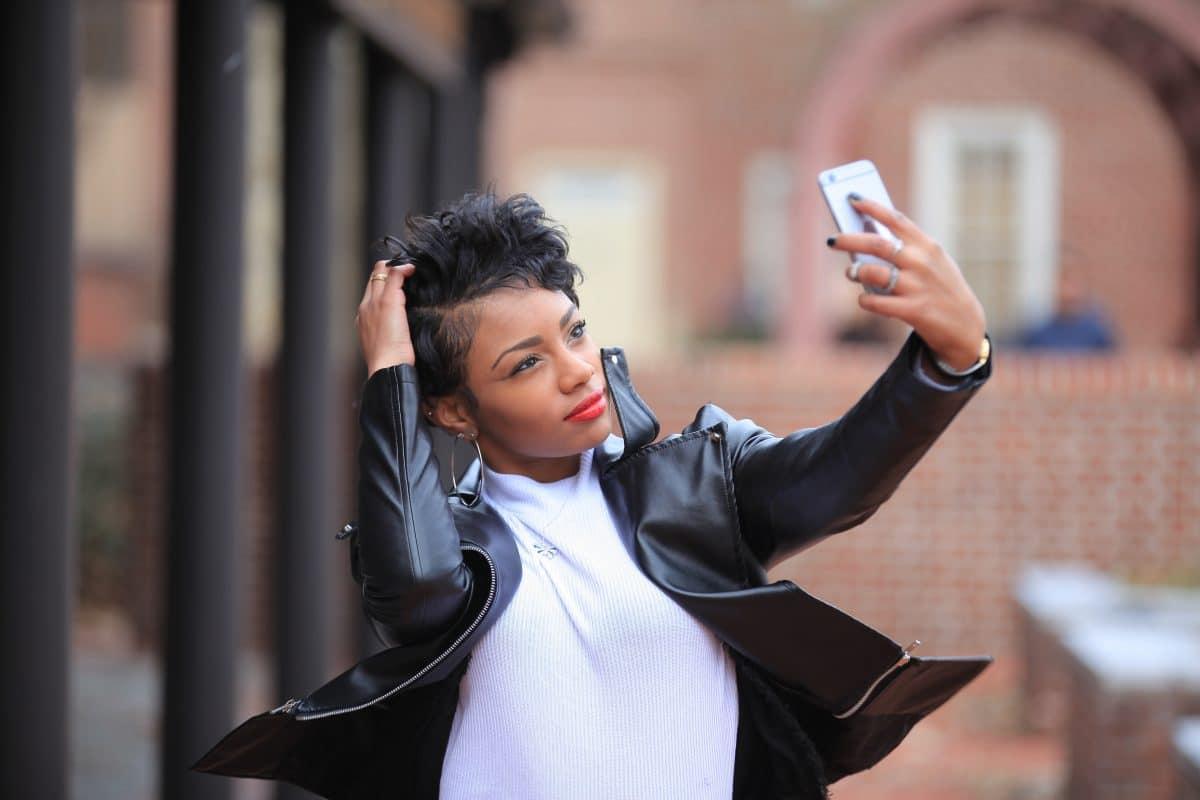Sie verändert dein Gesicht: Gradient-App steht wegen Rassismus in der Kritik
