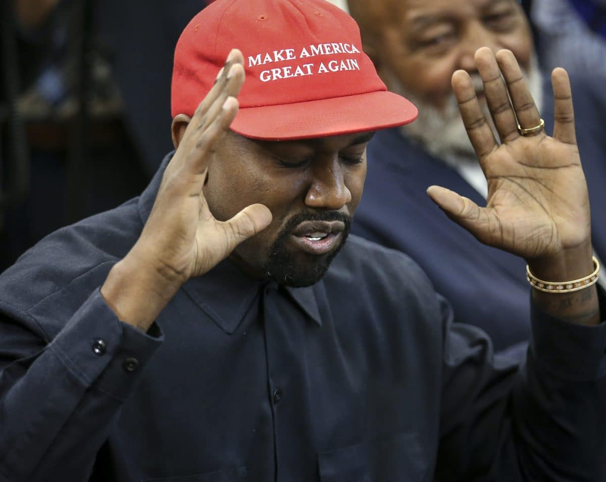 Kanye West pinkelt aus Protest auf seinen Grammy