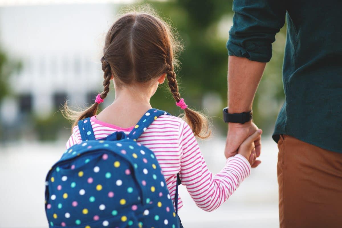Mädchen mussten während der Pandemie häufiger im Haushalt helfen als Buben