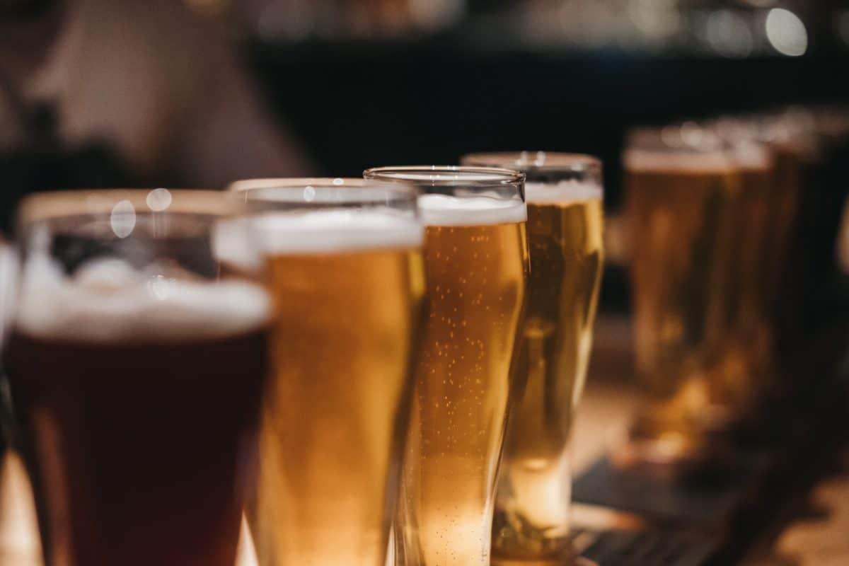 Polizeiaufgebot vor Lokal von Bierwirt, der Sigi Maurer anstößige Nachrichten geschrieben haben soll