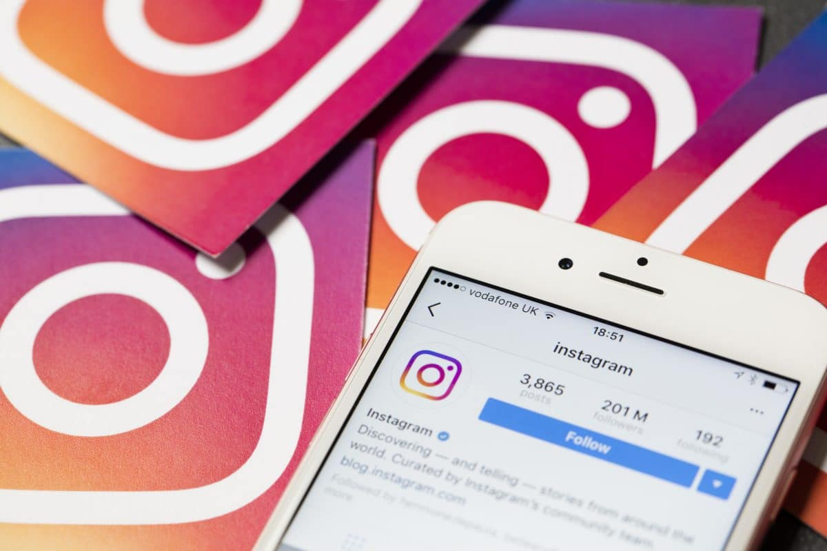 Spioniert Facebook Instagram-User über Handy-Kamera aus?