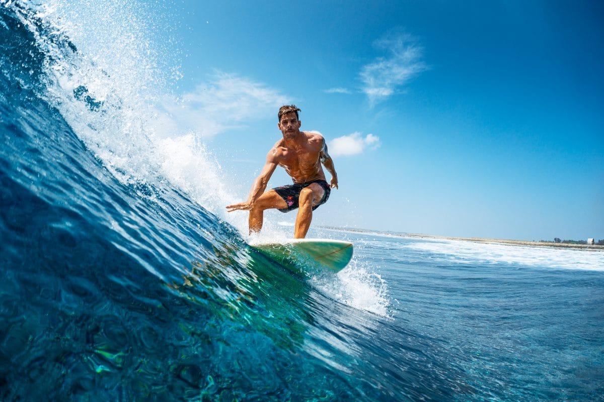Hawaii-Surfer findet sein Board nach 2 Jahren auf Philippinen wieder