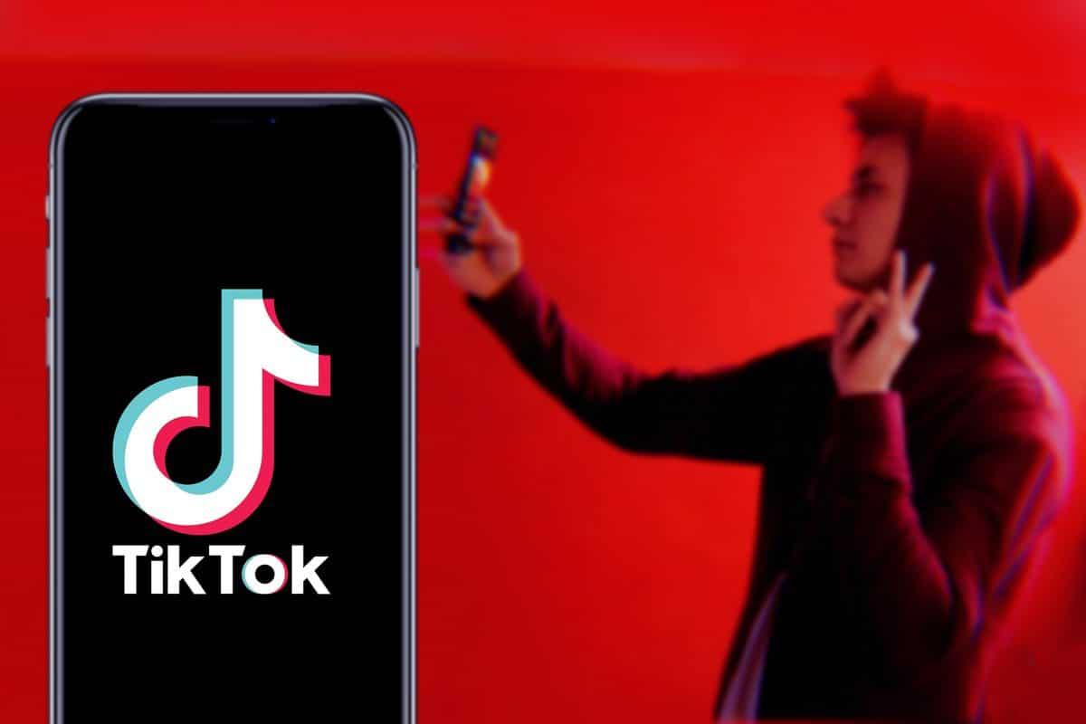 TikTok-User verkleiden sich als Geister und werden mit dem Ku-Klux-Klan verglichen