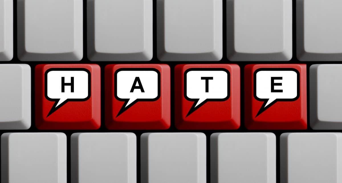 Hass im Netz steigt weiter: Bericht zeigt erschreckende Zahlen