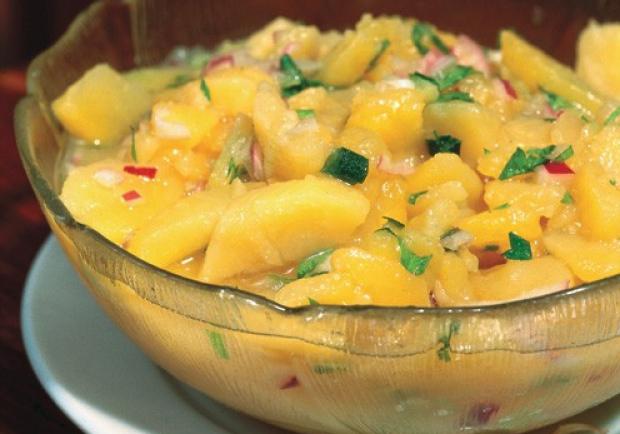 Klassischer Erdäpfelsalat nach Wiener Art zum Wiener Schnitzel Rezept