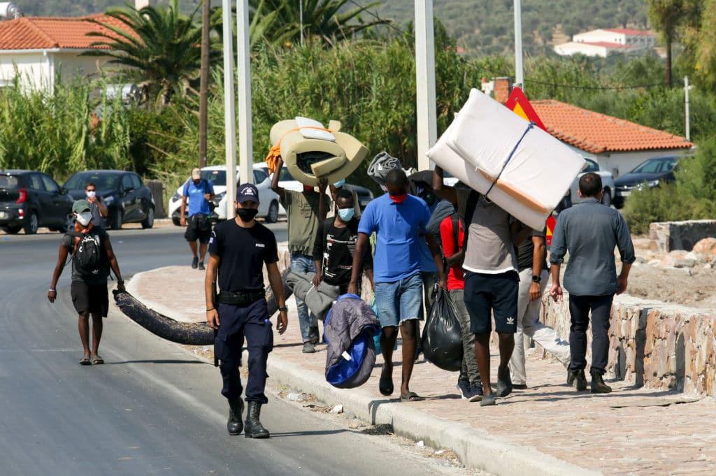 Neues Flüchtlingslager auf Lesbos steht unter Wasser