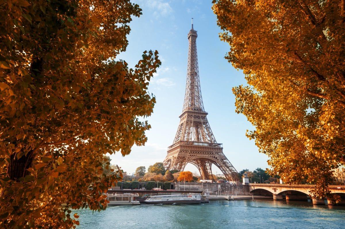 Frankreich verhängt Ausgangssperre: Fast 22.600 Neuinfektionen