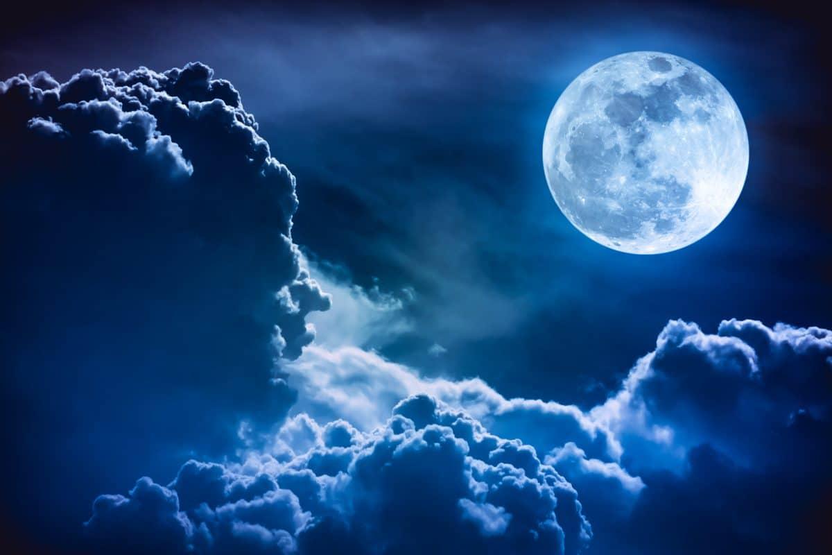 Diese Sternzeichen beeinflusst der blaue Mond im Oktober am stärksten