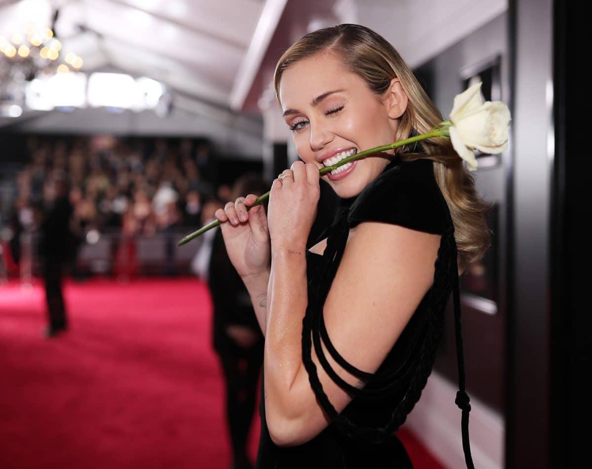 "Miley Cyrus verrät: Neues Album ""Plastic Hearts"" kommt noch im November"
