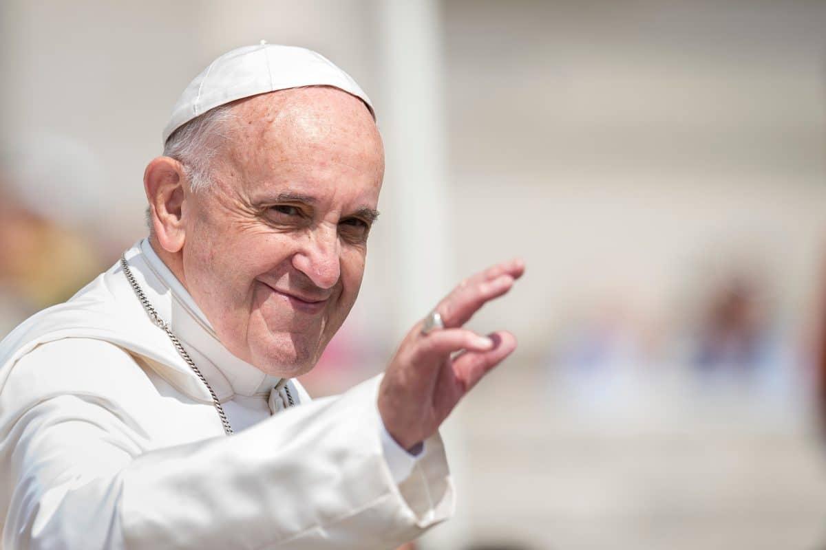 Papst Franziskus spricht sich für Schutz von Homosexuellen aus