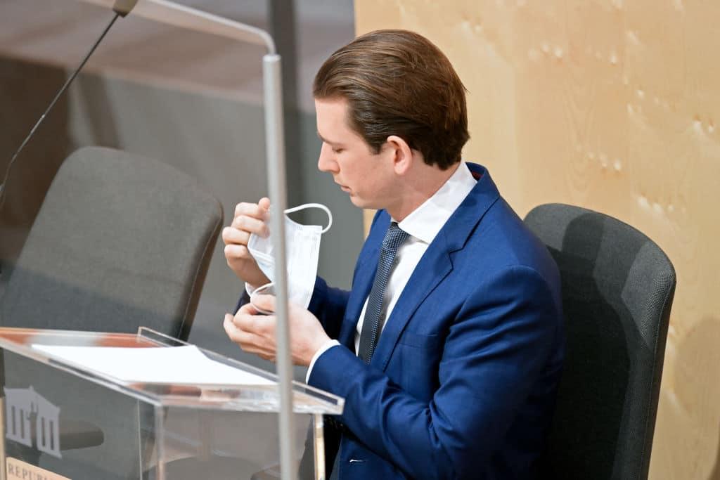Sebastian Kurz muss sich auf Corona testen lassen: Enger Mitarbeiter positiv