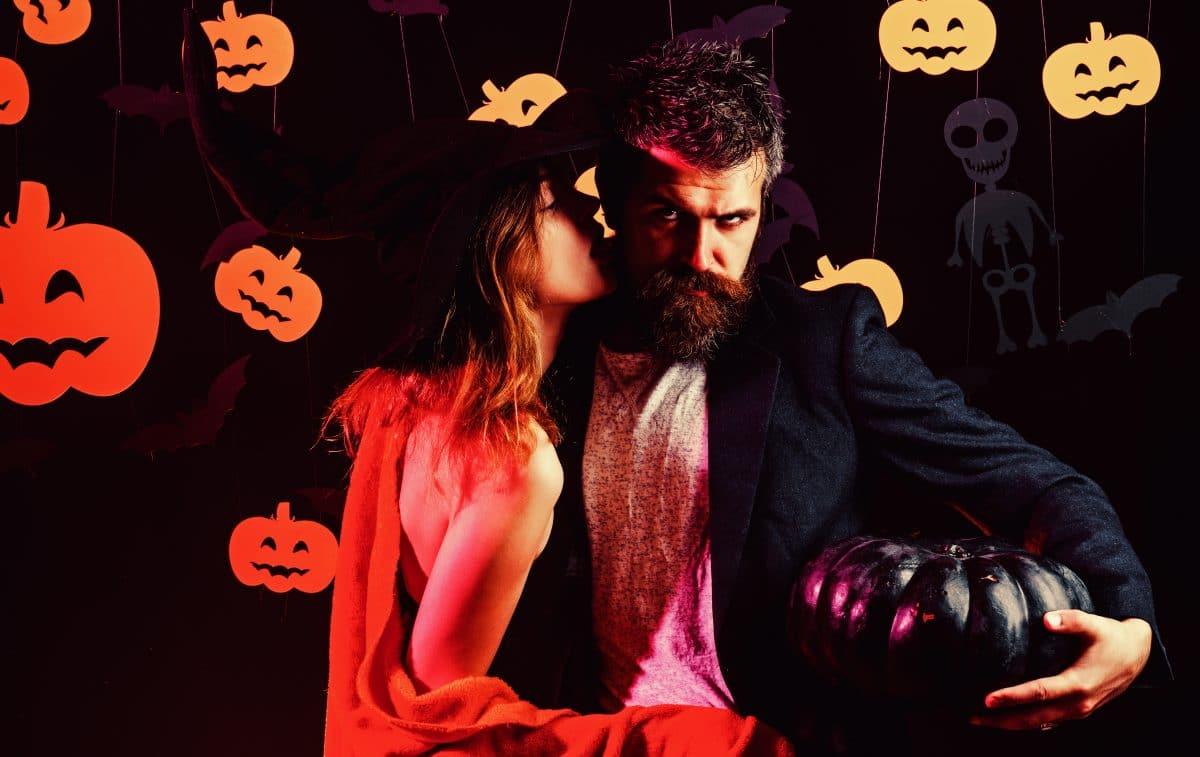 Süßes oder Saures? Die fünf heißesten Halloween-Sexstellungen