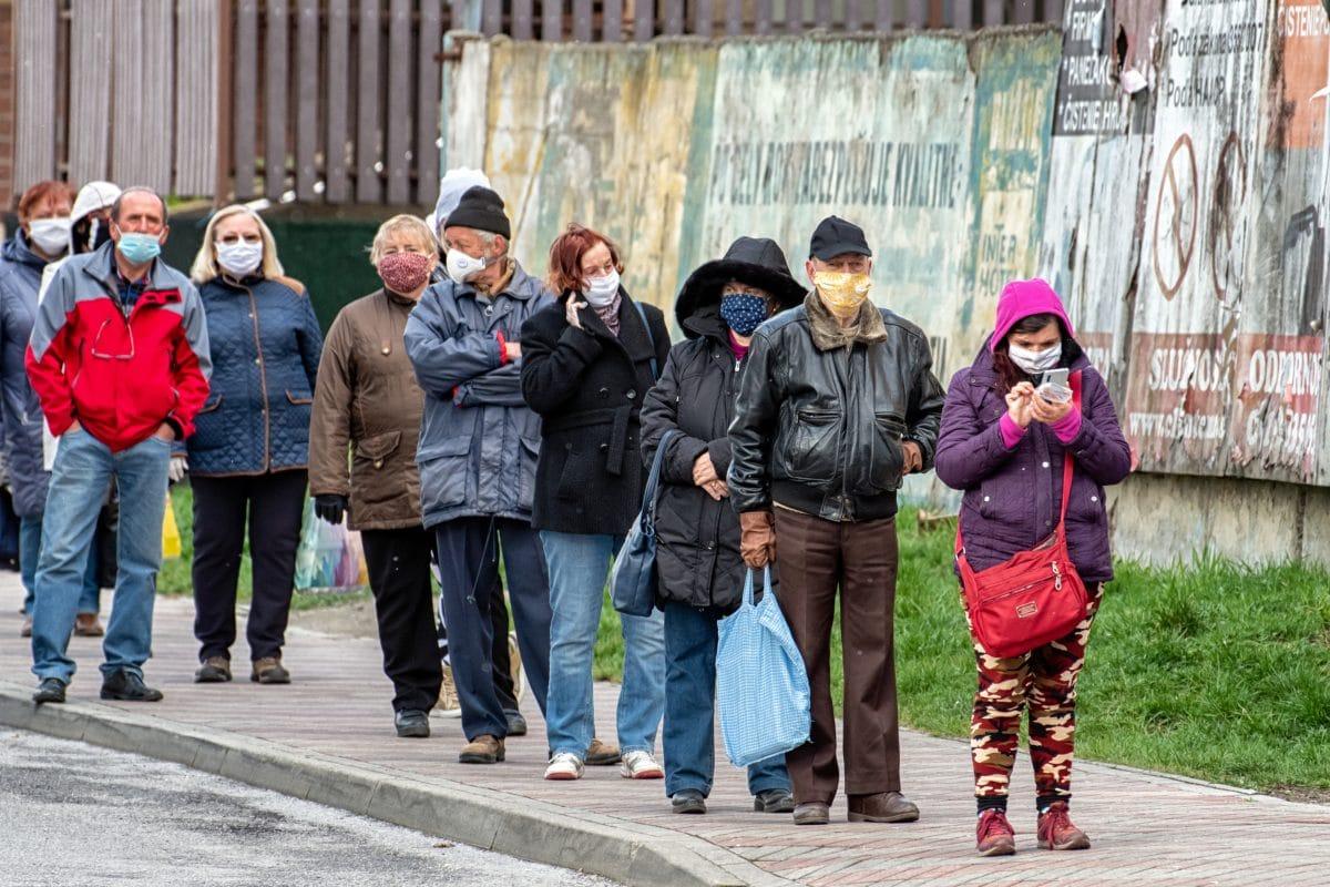 Slowakei verhängt Maskenpflicht im Freien