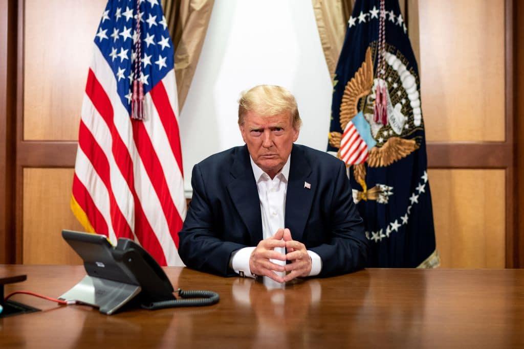 Donald Trump erstattet Fans Überraschungsbesuch trotz Corona-Infektion