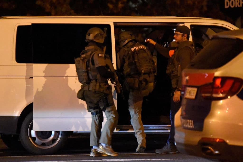 Nach dem Anschlag in Wien: Mehrere Hausdurchsuchungen und Festnahmen