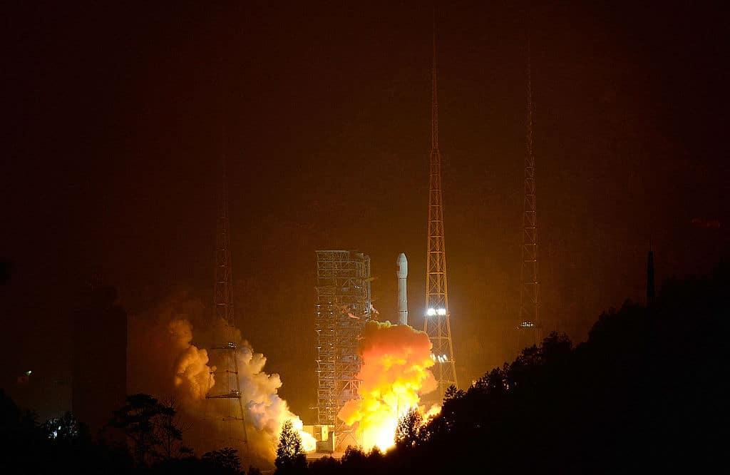China schickt Raumschiff zum Mond, um Proben zu sammeln