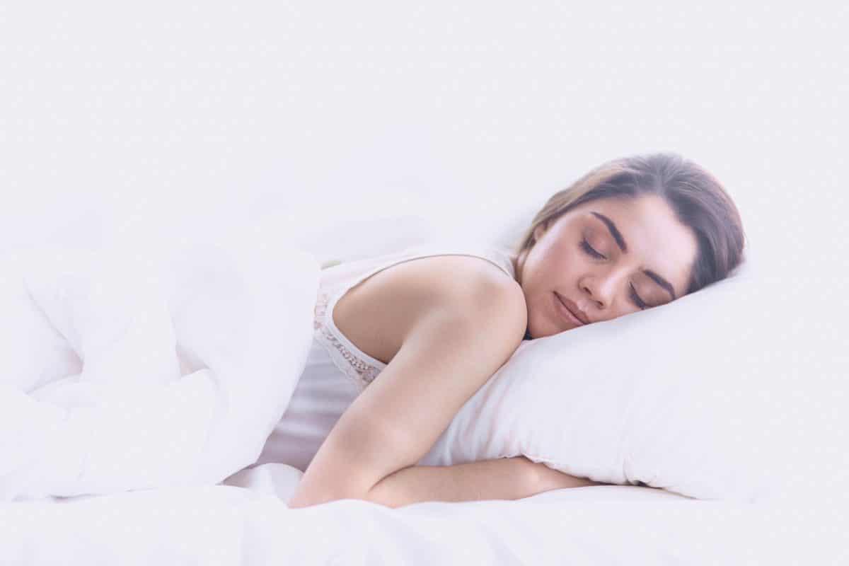 5 Gründe, warum es dich glücklich macht auf der linken Seite zu schlafen