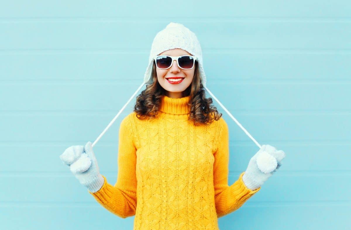 Mit diesen fröhlichen Teilen holst du dir den Sommer in dein Winteroutfit