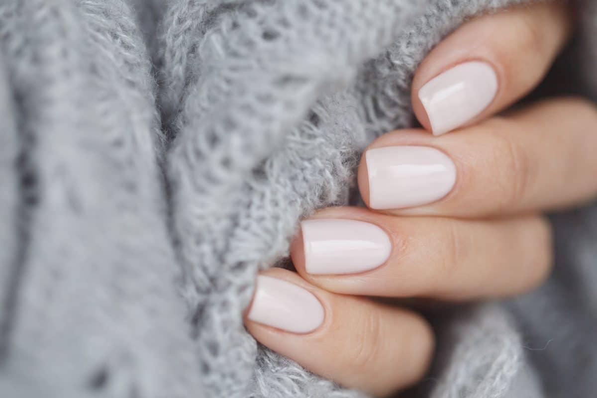 Natural Nails: Diese Maniküre ist 2021 voll im Trend