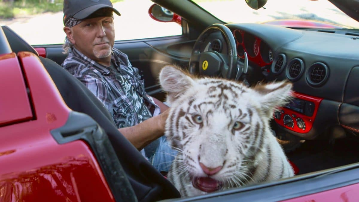Tiger King: Jeffrey Lowe verliert Großkatzen wegen Tierquälerei