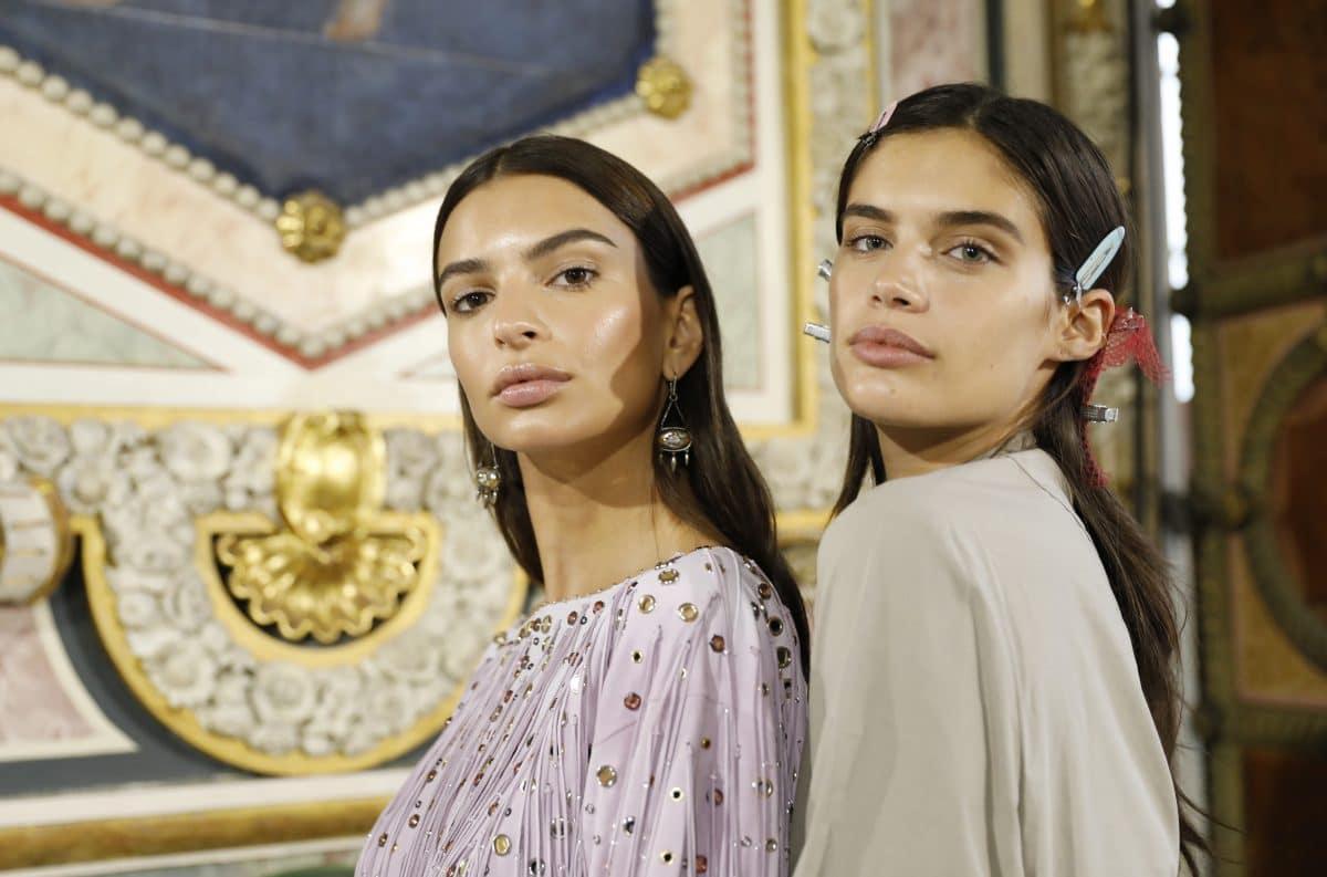 5 Beauty-Hacks, die dich garantiert jünger aussehen lassen