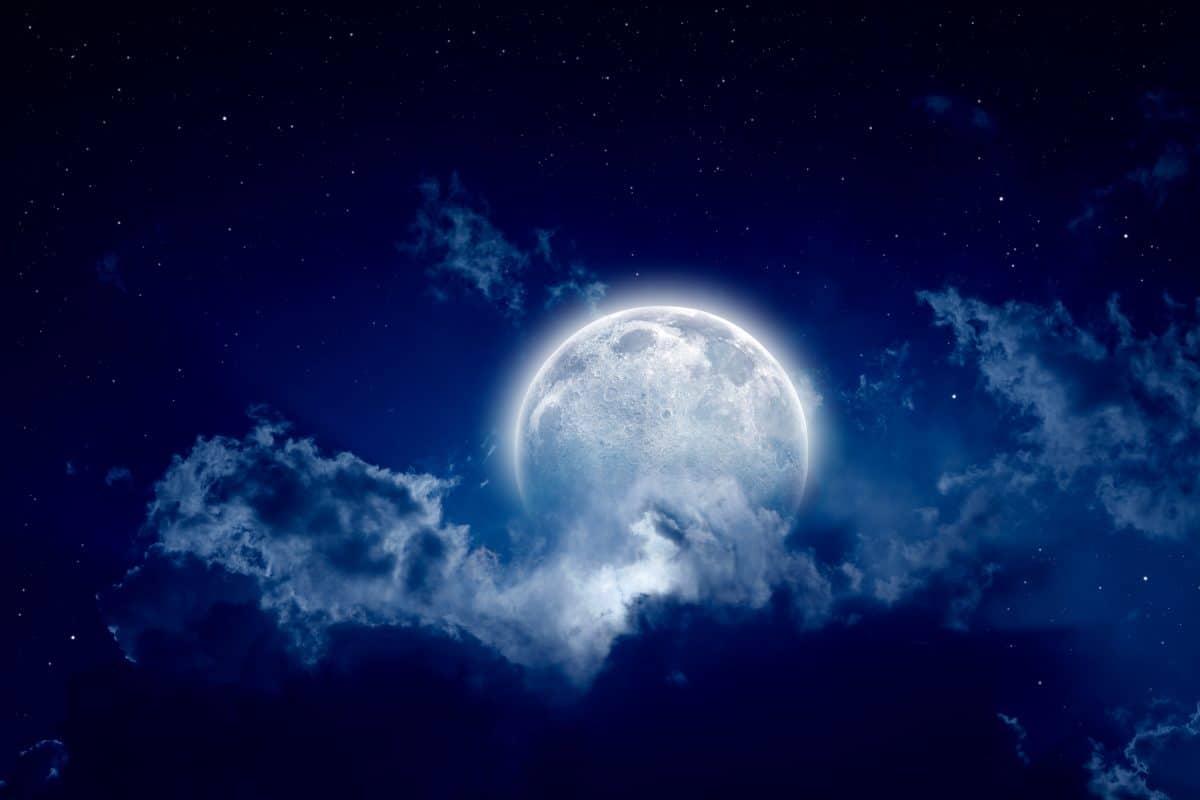 So findest du dein Mondzeichen heraus und das verrät es dir über deinen Charakter