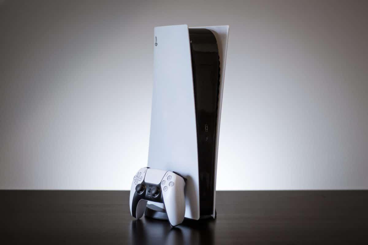 Viel zu groß: Ikea macht sich über die neue PS5 lustig