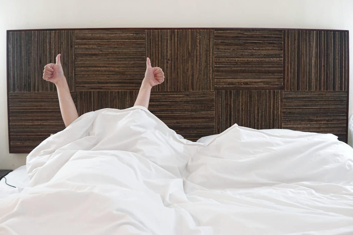 Warum Sex die einzig logische Konsequenz ist, um einschlafen zu können