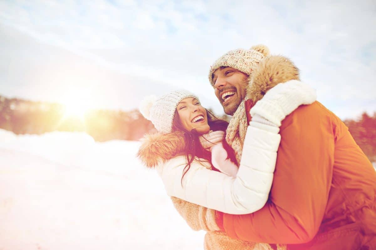 4 Tipps: So bringst du wieder frischen Wind in deine Beziehung