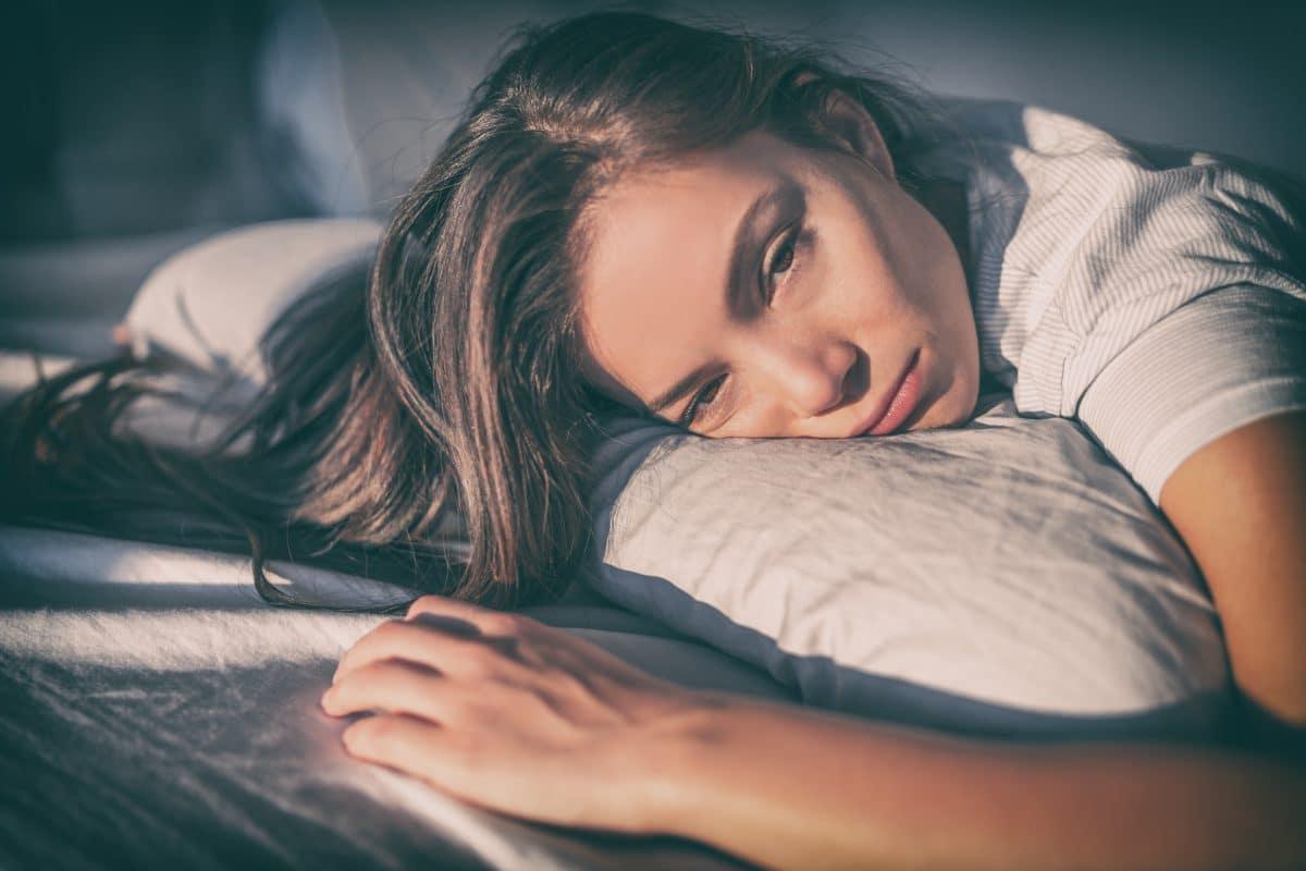 Diese 10 Gewohnheiten bringen dich um deinen Schlaf