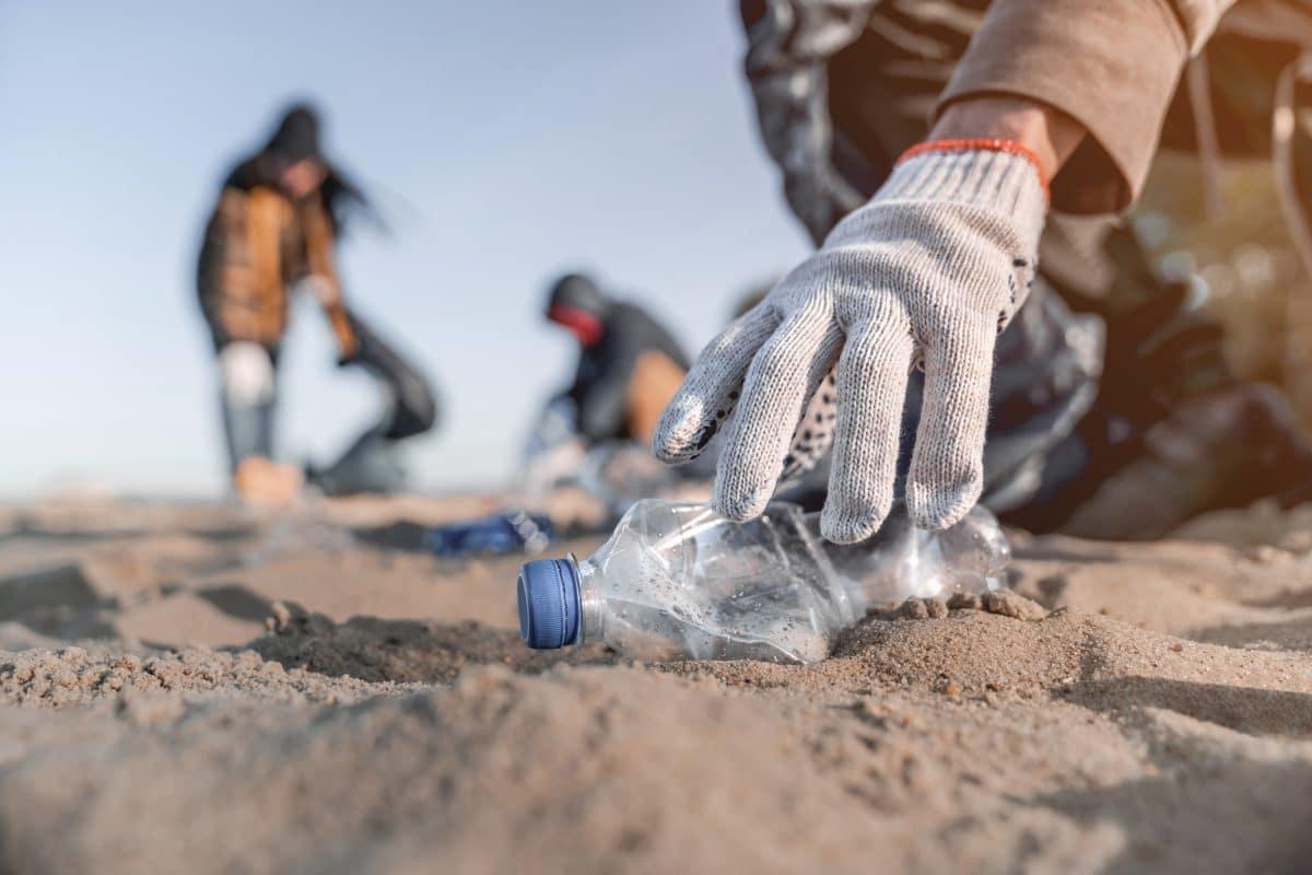 Traumstrände auf Bali versinken im Plastikmüll