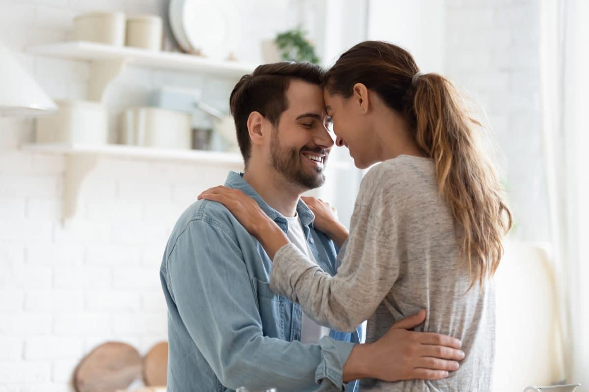 Über diese 5 Dinge sollte jeder offen mit seinem Partner sprechen