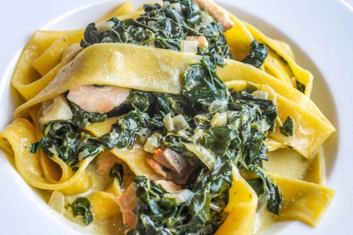 Nudeln mit Spinat und Parmesan Rezept