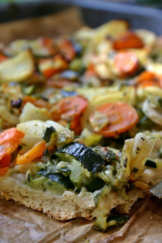 Gemüsepizza mit Karfiolboden Rezept