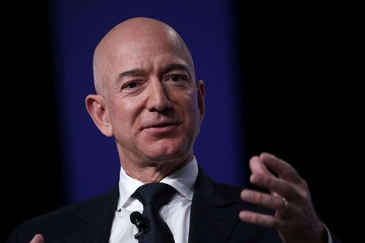 Jeff Bezos tritt nach 27 Jahren als Amazon-Chef zurück