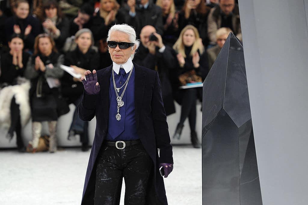 Karl Lagerfeld: Mini-Serie und Roman sollen neue Details über sein Leben verraten