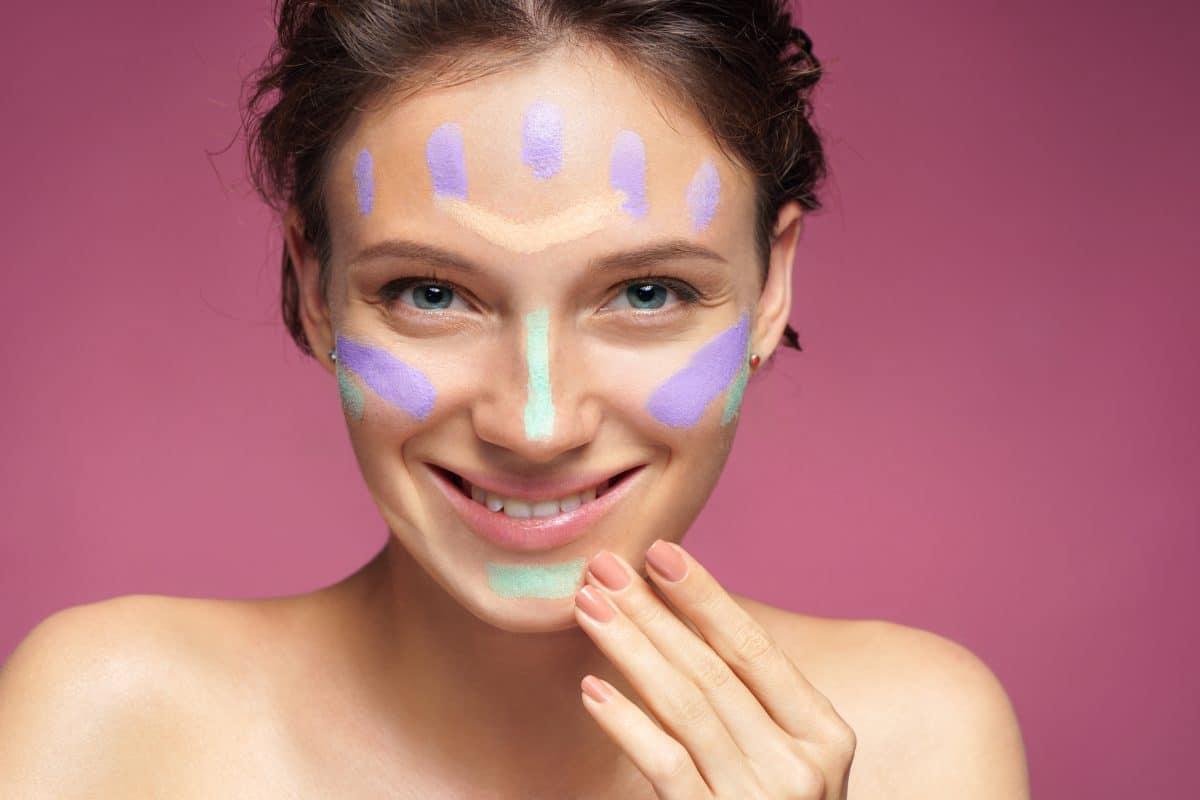 Neuer TikTok-Trend: So verpasst du deinem Gesicht ein Face-Lifting nur mit Concealer