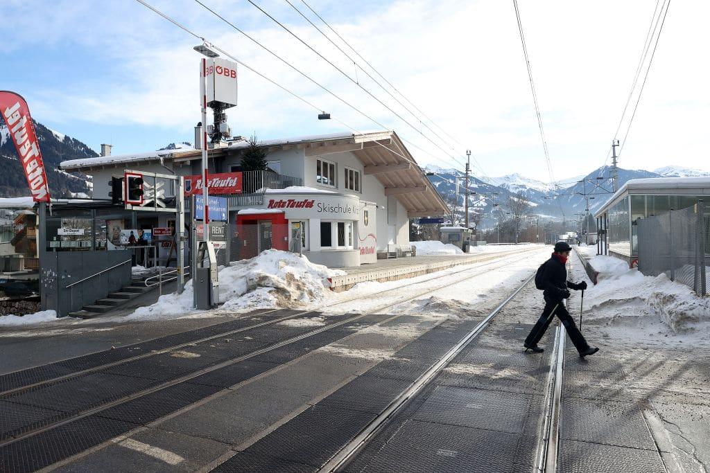 Regierung warnt vor Reisen nach Tirol