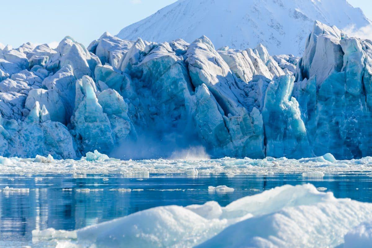 Ein Meteorologe verliert seine Brieftasche in der Antarktis und bekommt sie 53 Jahre später zurück