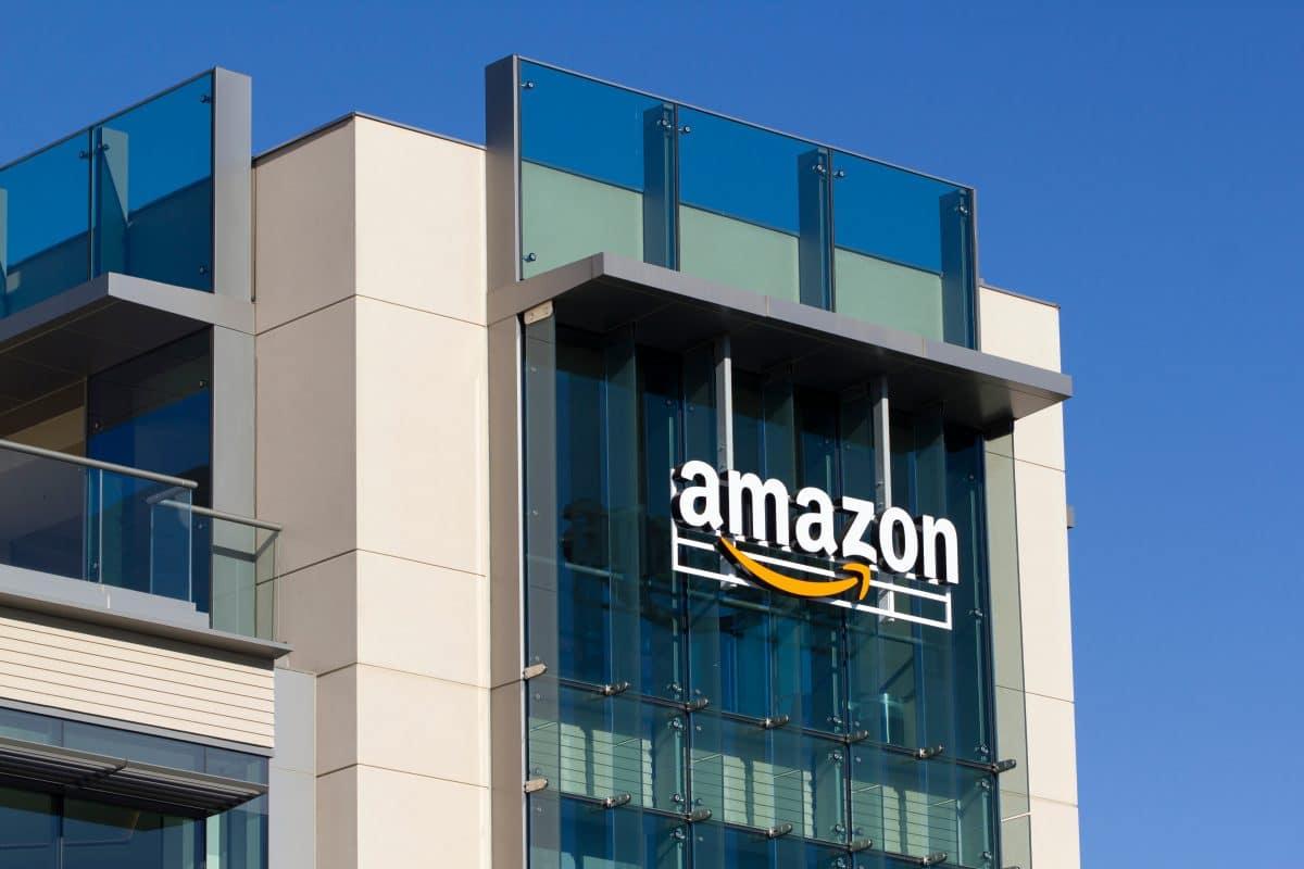 Amazon wird von Mitarbeiterin wegen Diskriminierung verklagt