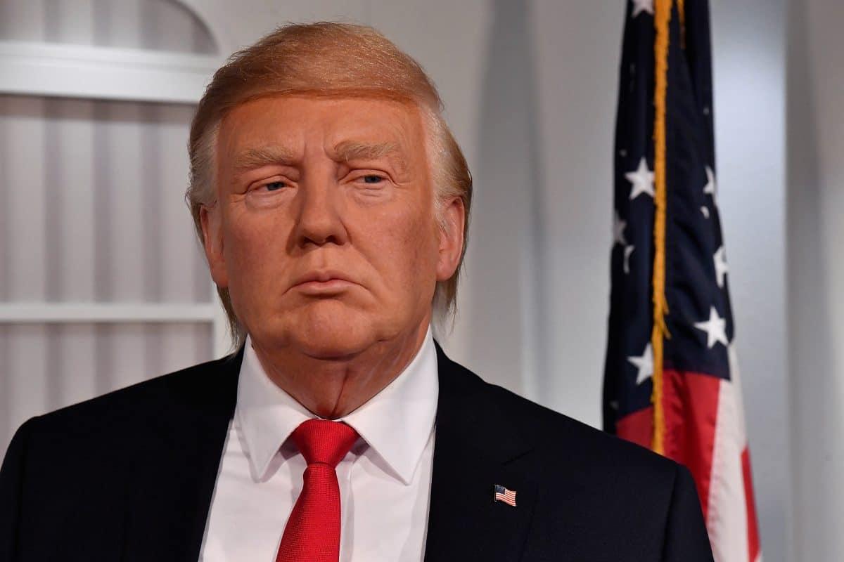 Donald Trump aus Wachsfigurenkabinett entfernt, weil Besucher ihn schlagen