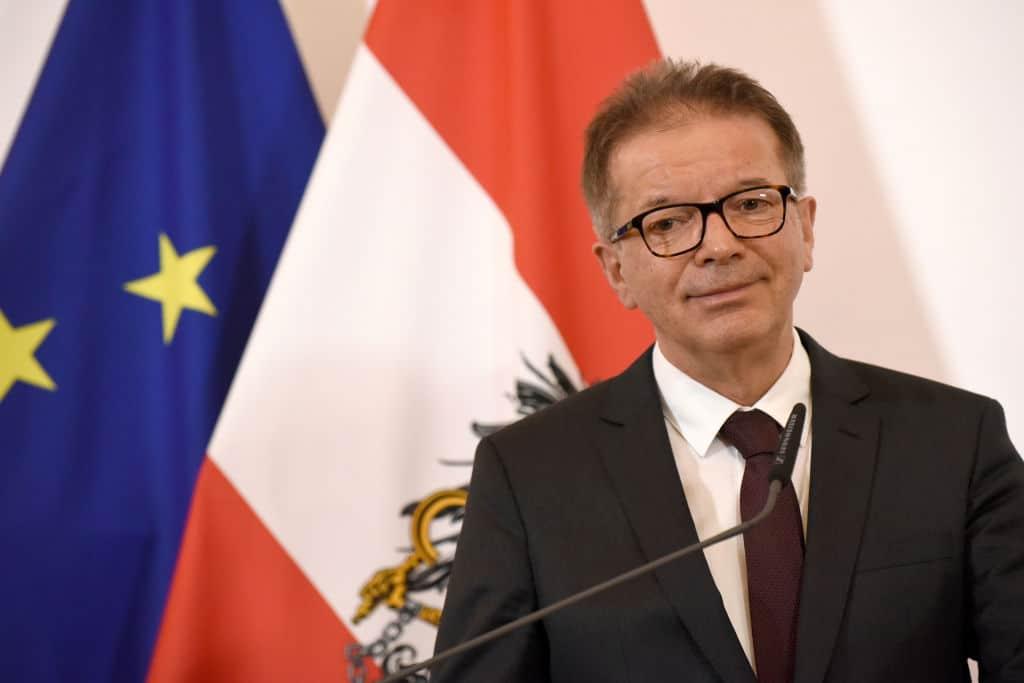 Steigende Fallzahlen in Österreich: Gesundheitsminister zeigt sich alarmiert