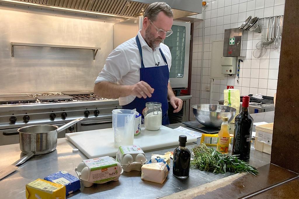Sepp Schellhorn bei Kitchen Impossible