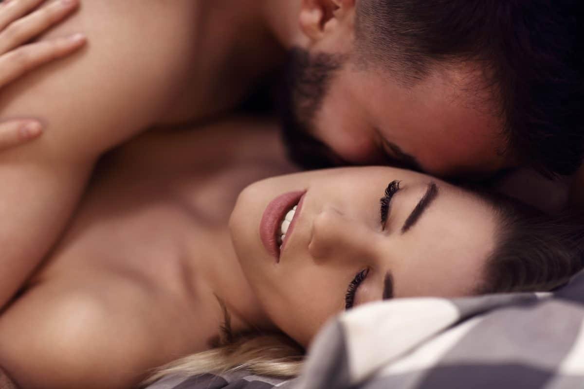 Sexpraktiken aus anderen Ländern: Das bedeutet Französisch, Griechisch & Co