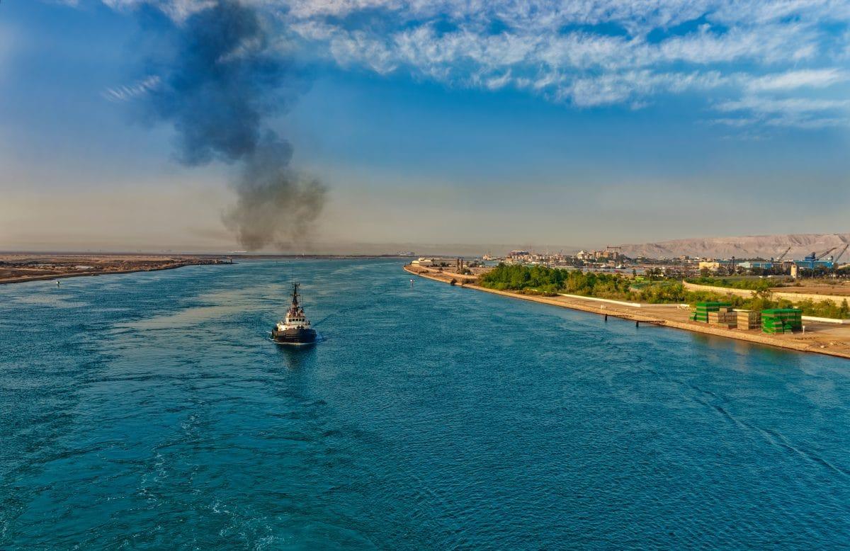Containerschiff, das den Suezkanal blockiert, inspiriert die besten Memes