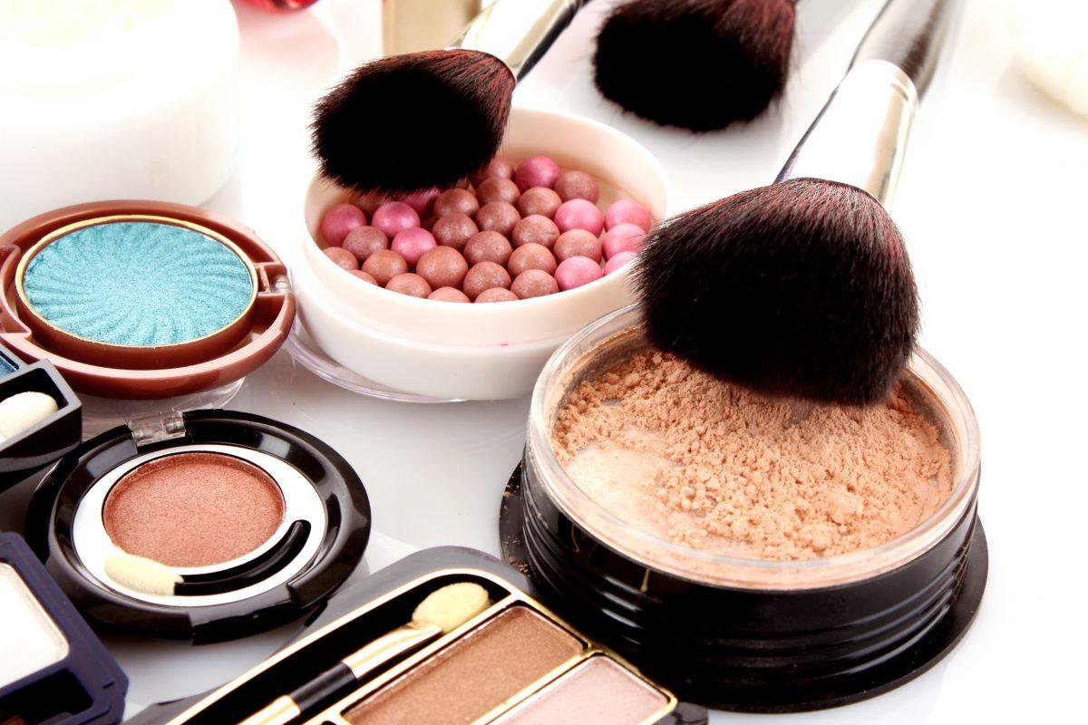 Tantouring: Der neue Make-up-Trend im Frühling 2021